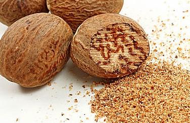 Мускатный орех может помочь при варикозном расширении вен