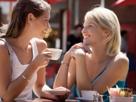Общение с друзьями поможет справиться с депрессией